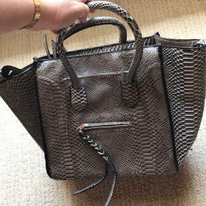 NWOT Gray snake skin handbag